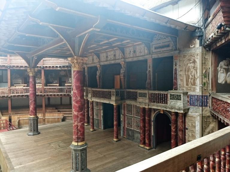 Shakespeare Globe and theatre , Romeo and juliet,